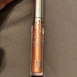 Kylie lip gloss brush applicator color Noel